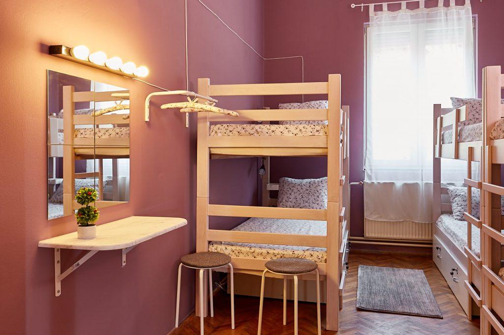 6 bed miror